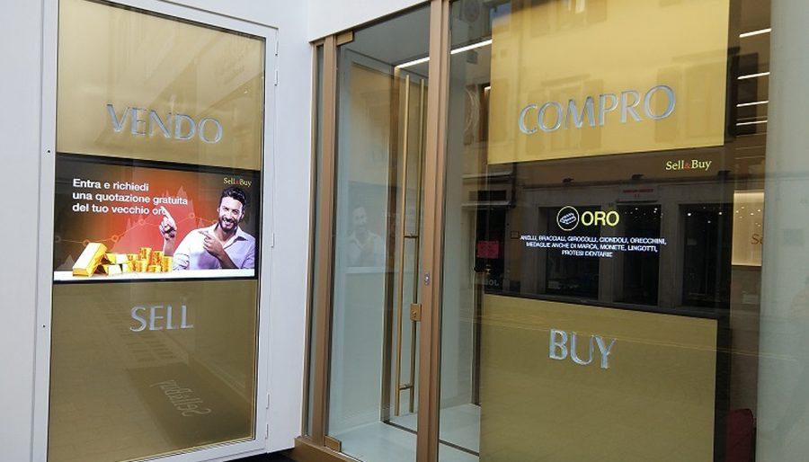 Digital Signage in vetrina – Sell & Buy